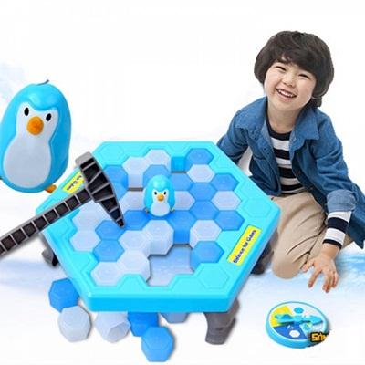 Đồ chơi phá băng dành cho bé