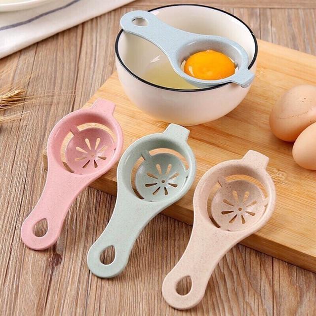 Dụng cụ lọc lòng đỏ trứng gà từ lúa mạch