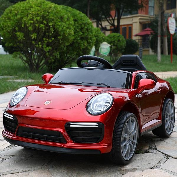 Xe Ô Tô Điện Trẻ Em Porsche-911 Điều Khiển Từ Xa 50m bằng Remote và Tự Lái – Bảo Hành 6 tháng