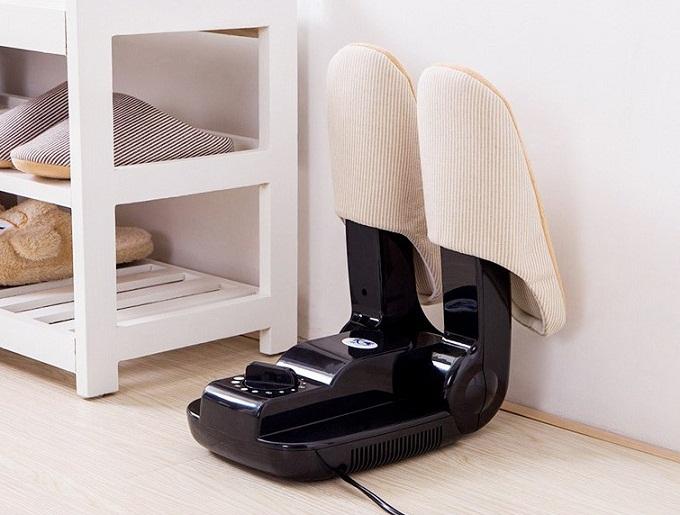 Máy sấy giày giúp giày nhanh khô khử mùi bất chấp thời tiết