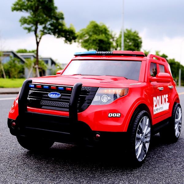 Xe Ô tô điện trẻ em mẫu cảnh sát YH-811 tải trọng 50Kg – BH 6 tháng